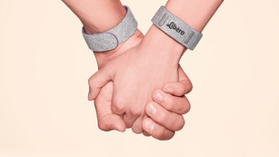 The World's First Pregnancy Bracelet for Two