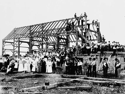 Barn_raising_in_Lansing-2.jpg