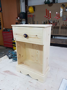 סט ריהוט לגינה שולחן עץ מלא וספסל עץ לבן