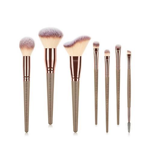 Only Necessities | Brush set