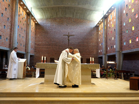 FRANCE | Three Priests make Profession in the Fraternity Assembly in Lille