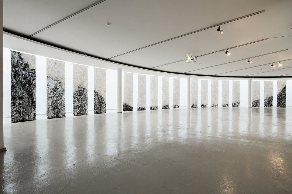 Infinity, 2013, mixed media on Japanese Washi paper, 3500x300x120cm