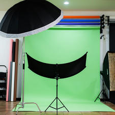 Lighting, reflectors and softbox options are included with you rental