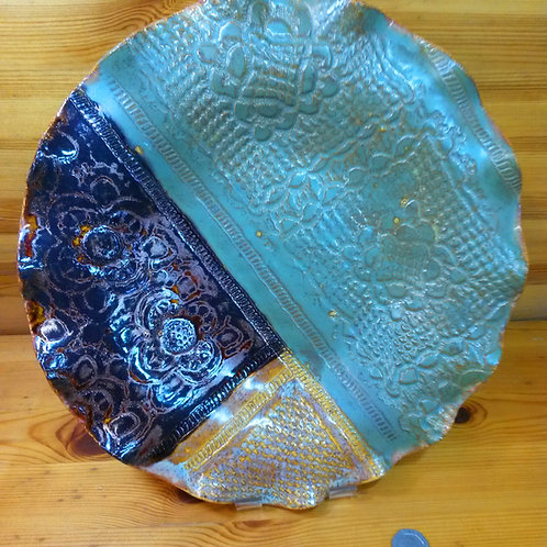 'Moorland'. Antiqued, Ripple Edge Lace Platter