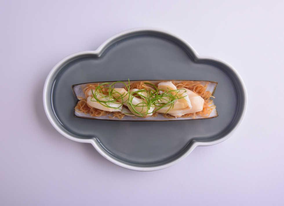 seafood_Steamed Razor Clam with Garlic 蒜