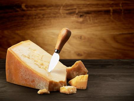 Trucos para cortar bien un queso y cómo hacerlo de manera adecuada