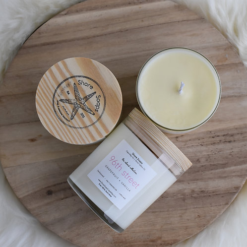Island Collection Stone Harbor Soy Candle / 8 oz Wood Top 40 hour Bur