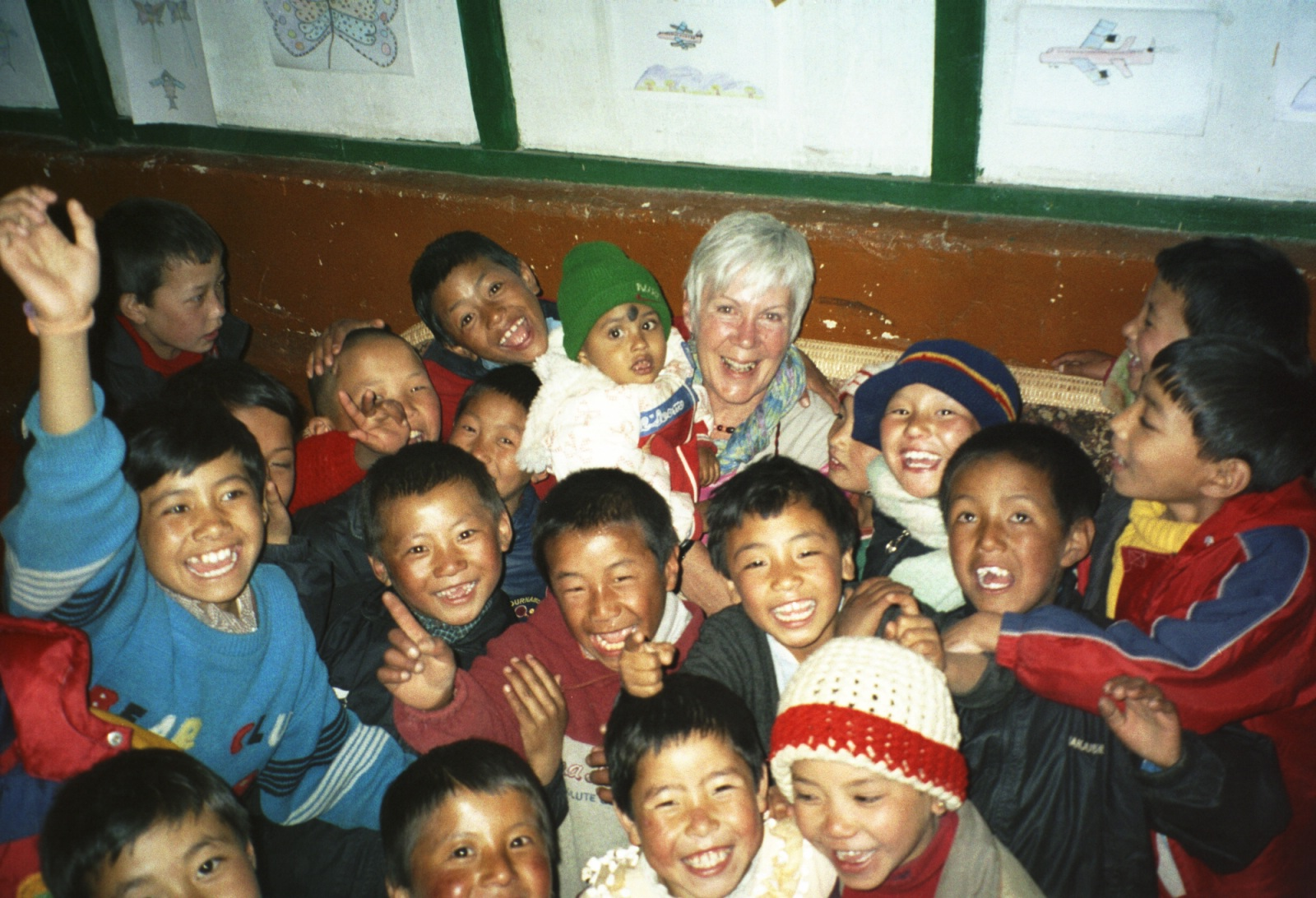 Diana with children 2006
