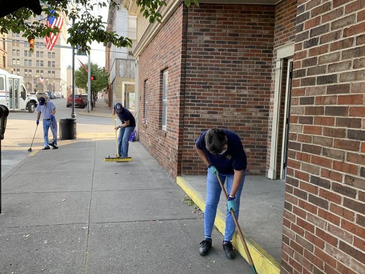 Main Street Fairmont Volunteers