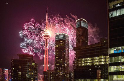 Fireworks on CN Tower to close out Toronto's Pan Am Games - 2015