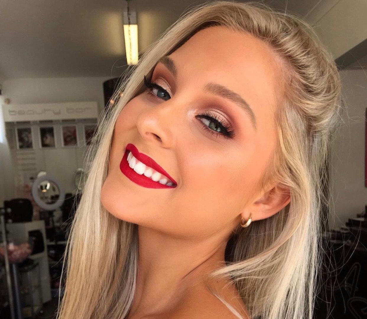 Makeup Application (60min)
