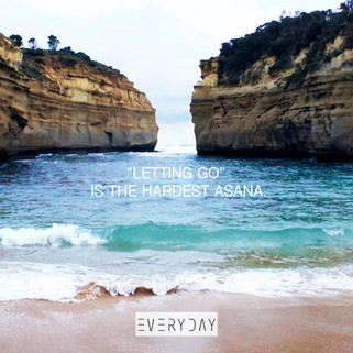 """Letting go"" is the hardest asana. 何不鬆開雙手?你能擁抱更多。"