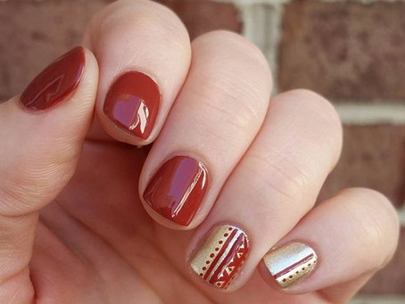Linear Rosemary Nail Art