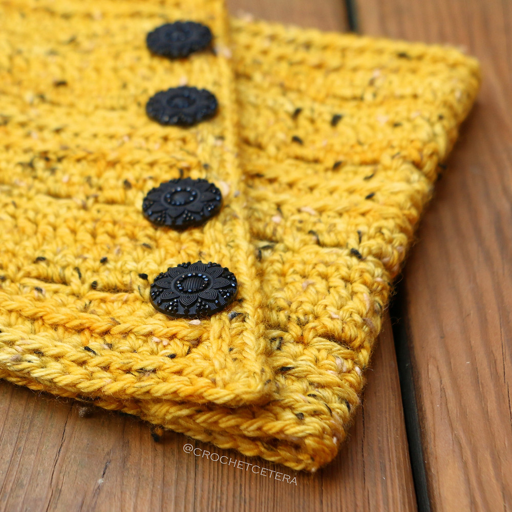 The Indubious Neck Warmer Buttons Closeup