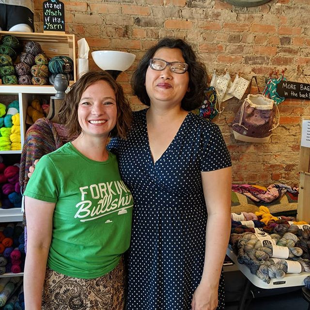 Meeting Kim Russo of Kim Dyes Yarn at Center of the Yarniverse in Ashland, VA during the first annual James River Yarn Crawl