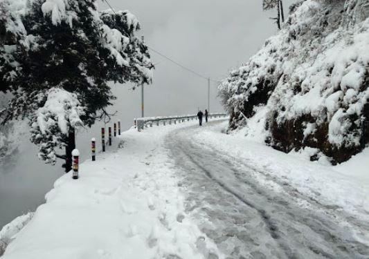 Mussoorie-witness-heavy-snowfall.jpg