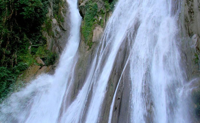 Kempty_Water_Fall_Mussoorie.jpg