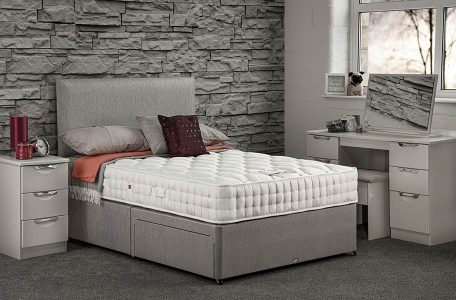 Pinnacle Divan