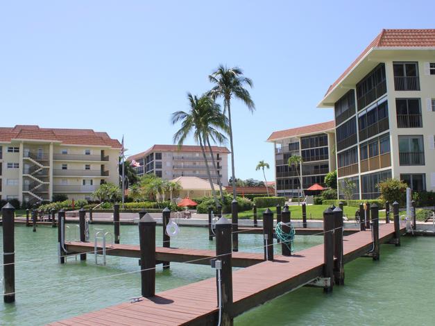 Commodore Club, Naples FL