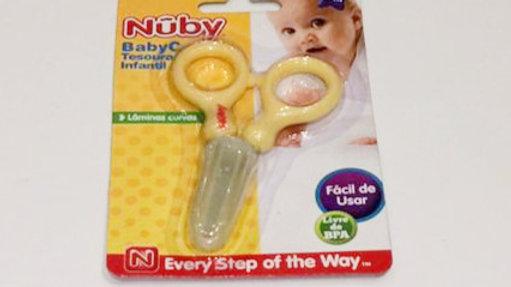 Tesoura amarela Nuby