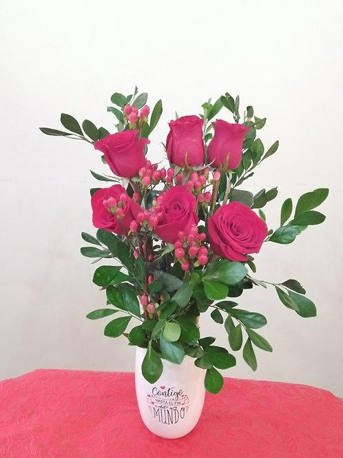 Base Cerámica con 6 Rosas Naturales