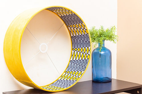 Abat-jour cylindrique   Suspension en velours et imprimé wax - Yellow Kurudi