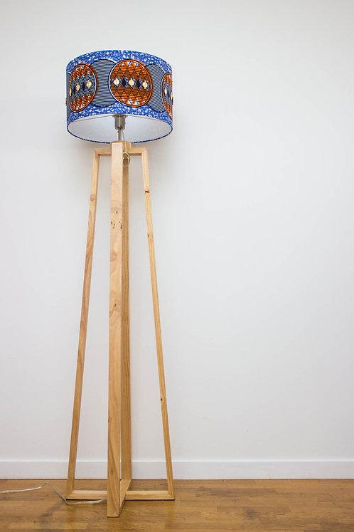 Lampadaire pied bois avec abat-jour design imprimé wax bleu - Azuretti