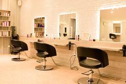 niTaka Salon's Styling booths