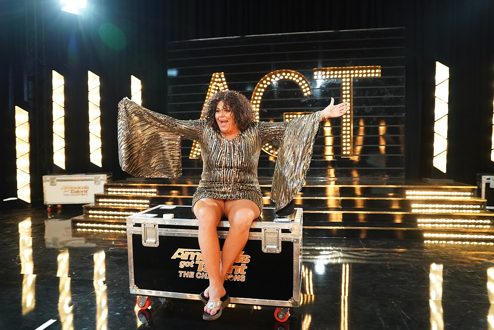 AGT Champion Vicki Barbolak performing Live in Chicago