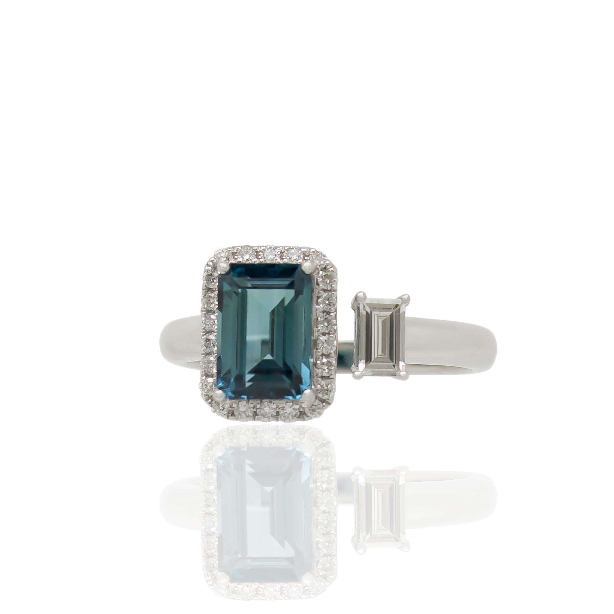 Noxy aqua ring white
