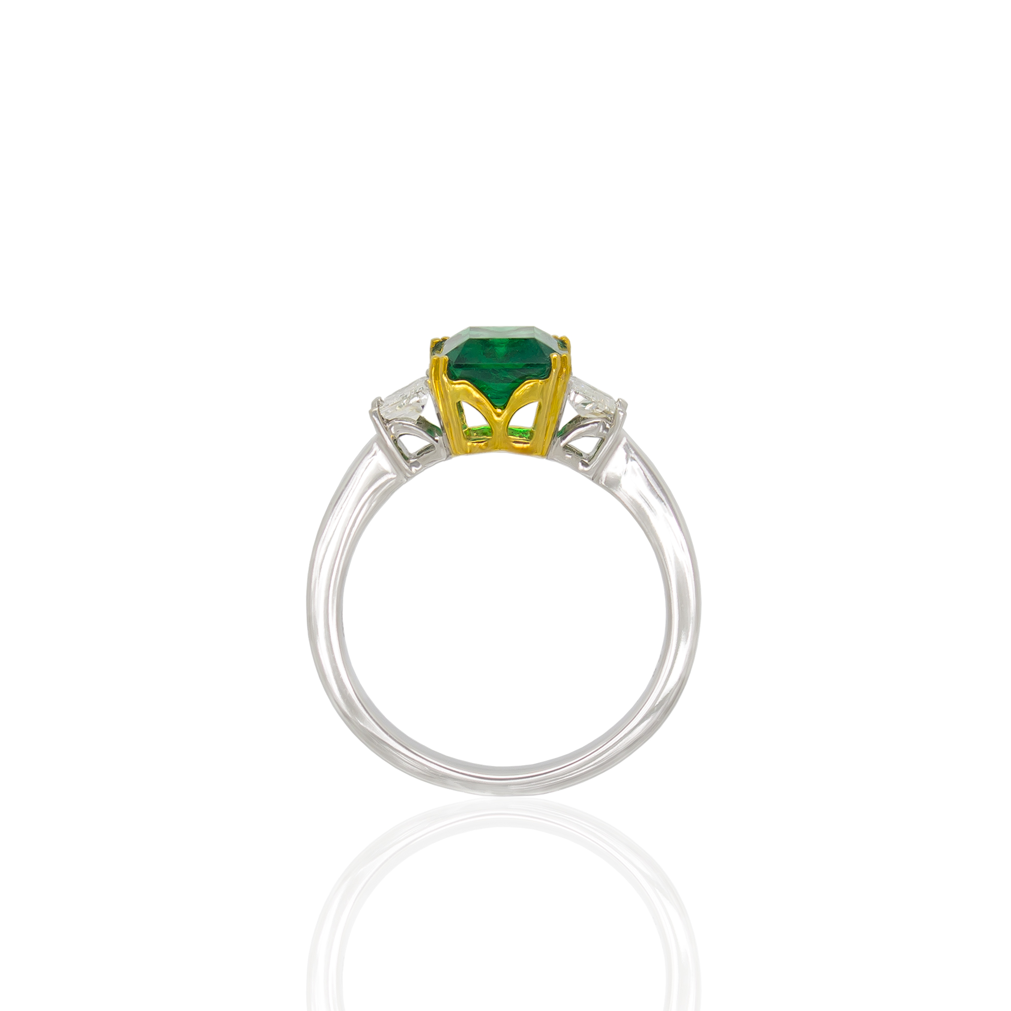Noxy emerald diamond ring side white