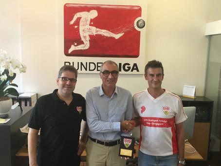 1. VfB Stuttgart Fanclub Asia thanking DFL Sports Enterprises Singapore Branch