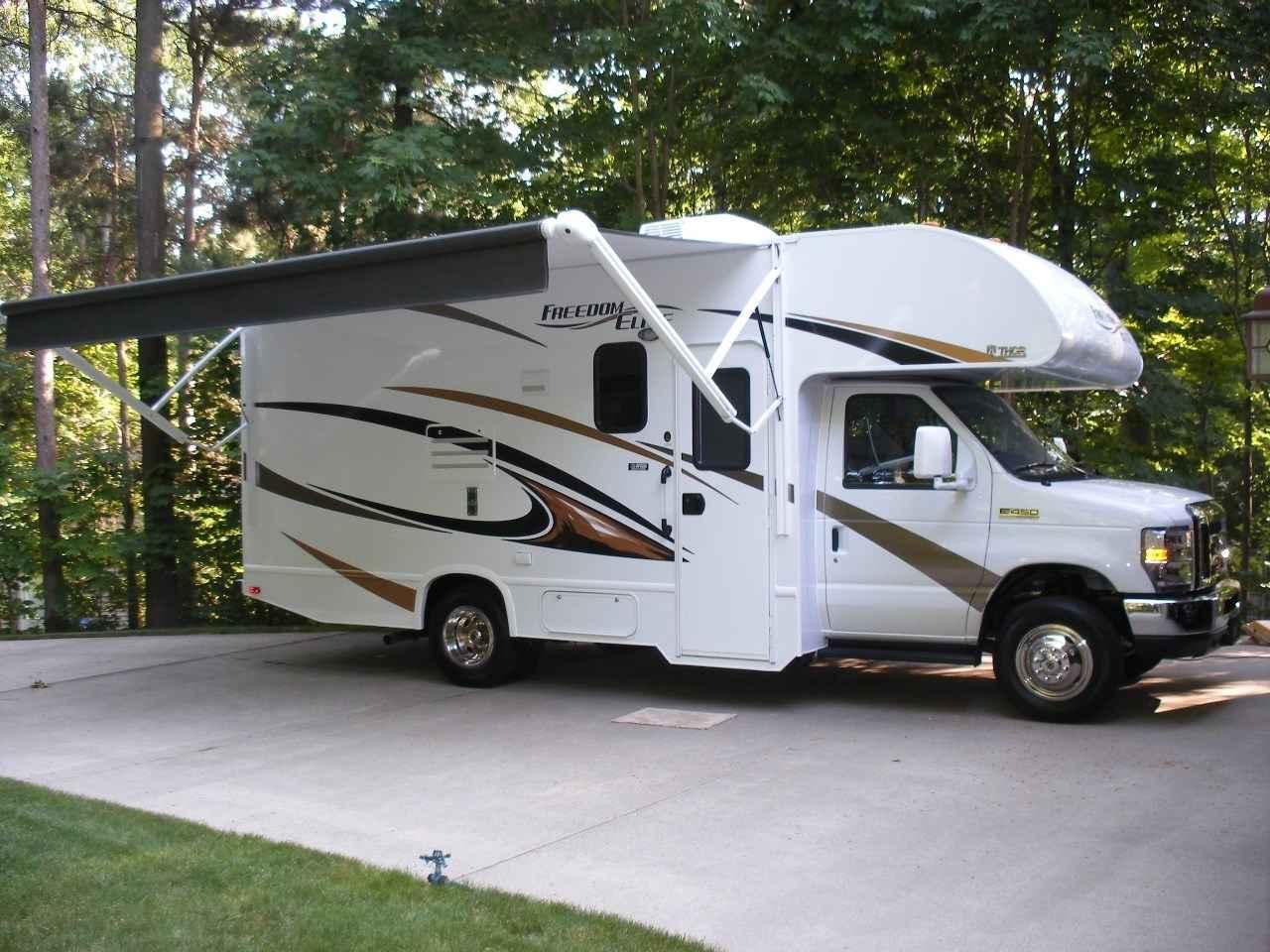 vehicle-2017-Used-Thor-Motor-Coach-FREED