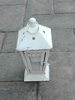 MD015a-  Distressed cream lantern S