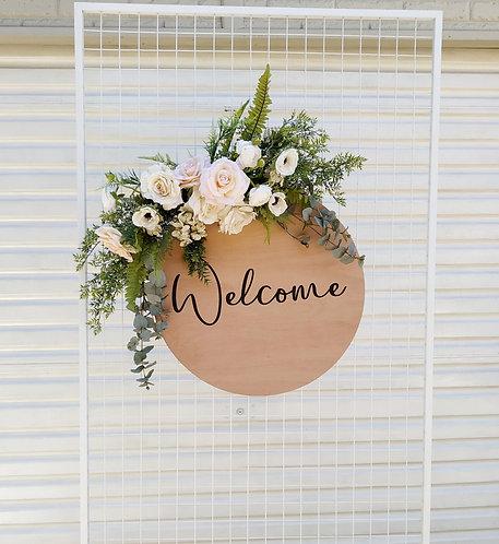 MD007a - Garden style silk floral foliage wreath