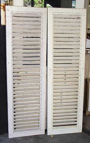 MD0507 - Distressed Shutters