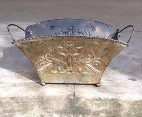 MD034a-  Bronze Metal Planter