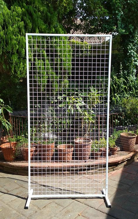 MD098 - White mesh screen backdrop