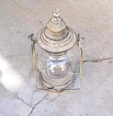 MD013 - Vintage Tealight Lantern
