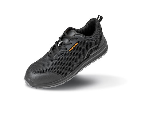 R456X Result All-black safety trainer