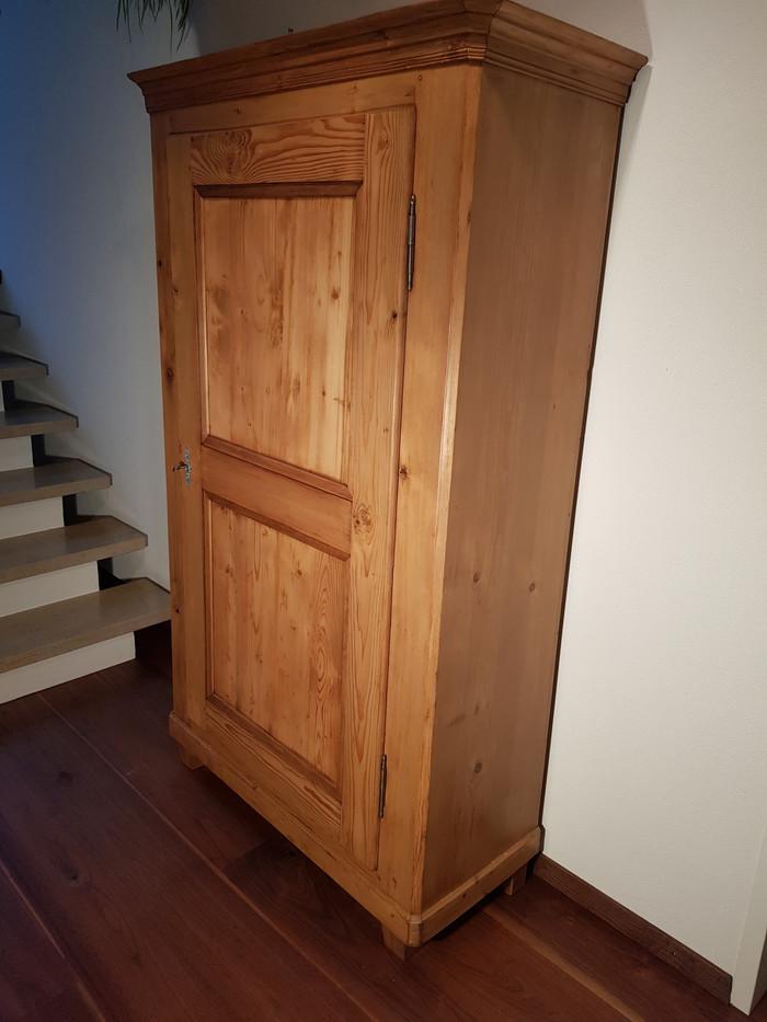 Schrank Tanne 1 Trg. restauriert