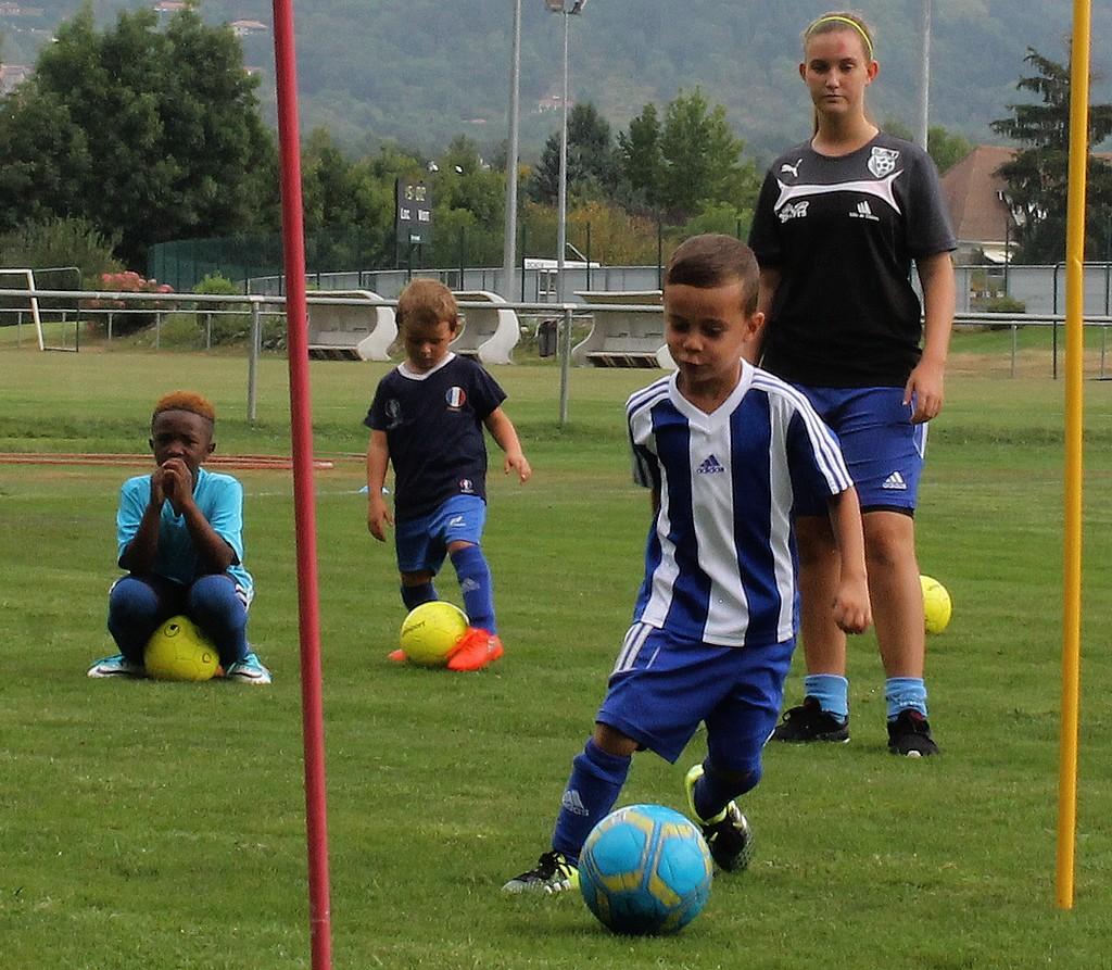 Ecole De Foot U6 A U11 Sat Football Sports Athletiques