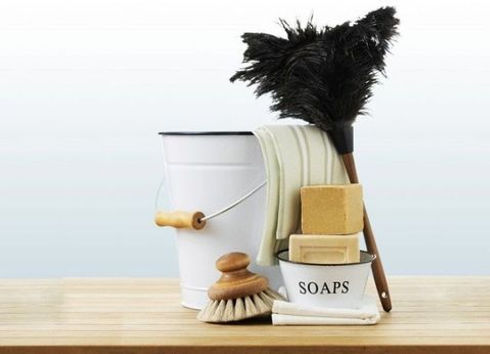 gallery-1452094307-cleaning-kit-700x507.