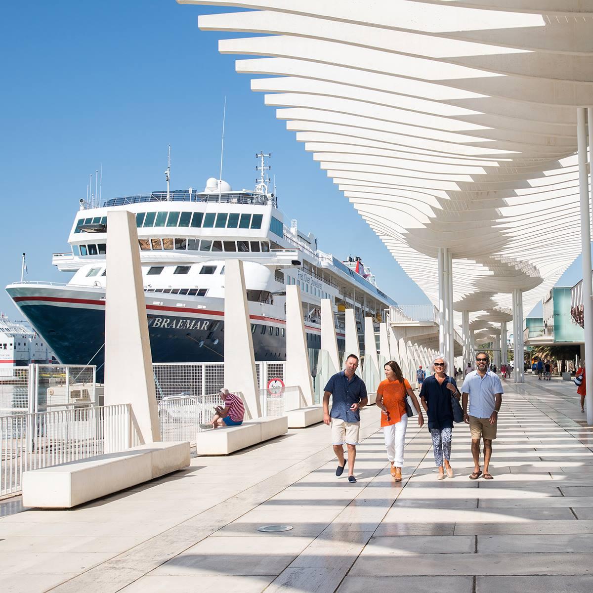 Braemar in Port