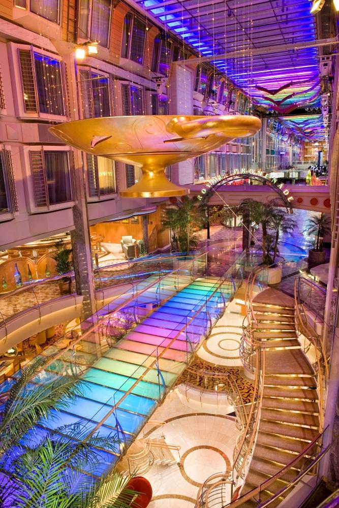 Royal Promenade Indy of the Seas