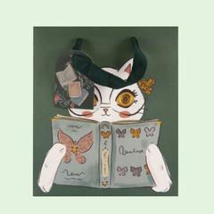 Medium Bag White Cat Reading