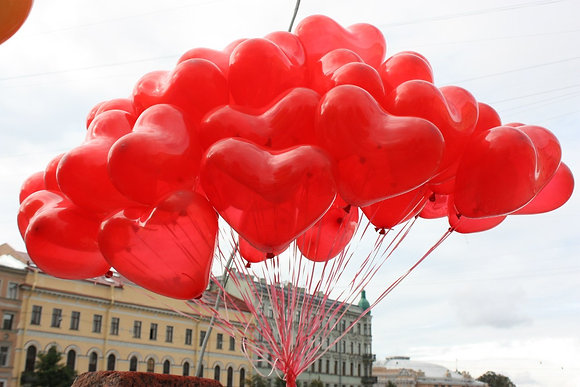 Красные сердца с гелием (30шт)