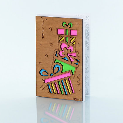 Деревянная открытка «Подарки»