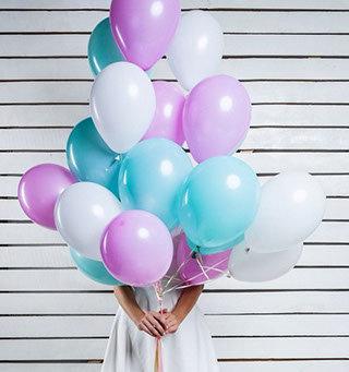 Облако из белых,розовых и бирюзовых шаров (10шт)