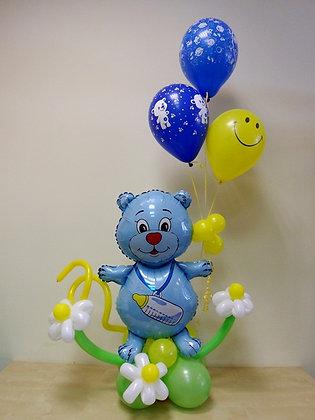 Мишка на полянке с шариками